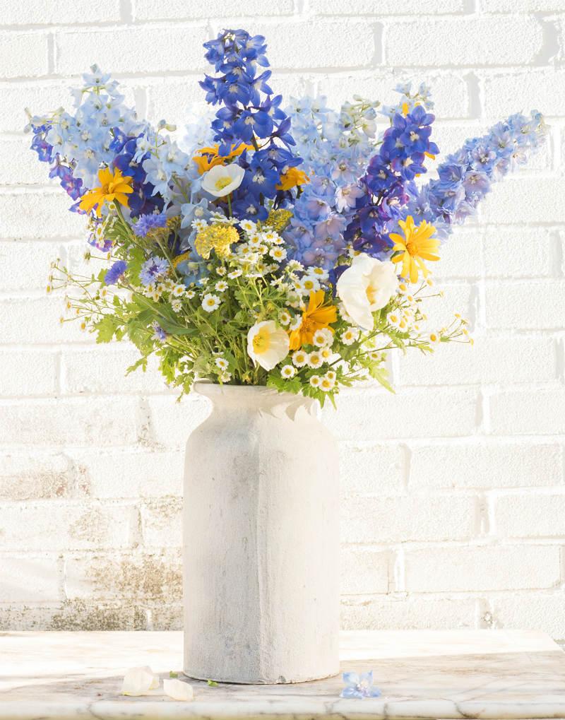 Как продлить жизнь цветов в вазе